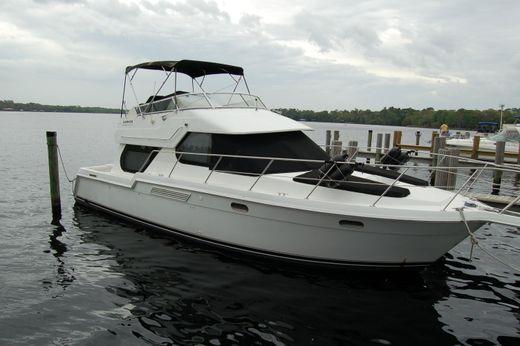 2002 Carver 374 Voyager
