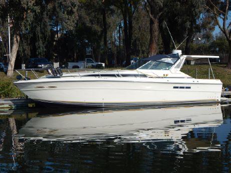 1986 Sea Ray 390 Sundancer