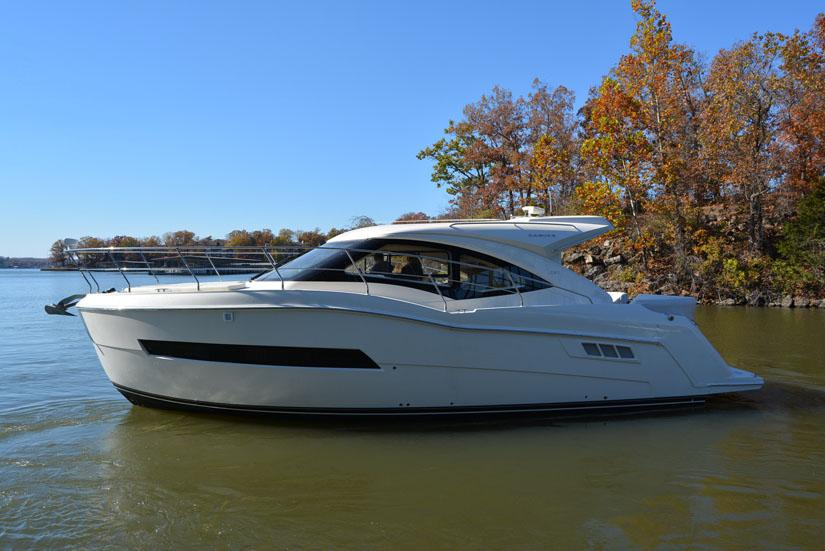 Lake Ozark (MO) United States  city photos gallery : 2015 Carver C37 Coupe Power Boat For Sale www.yachtworld.com