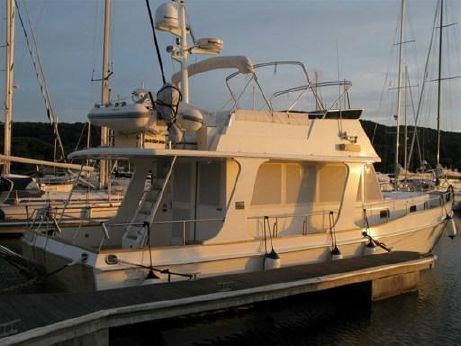 2010 Grand Banks Yachts4...