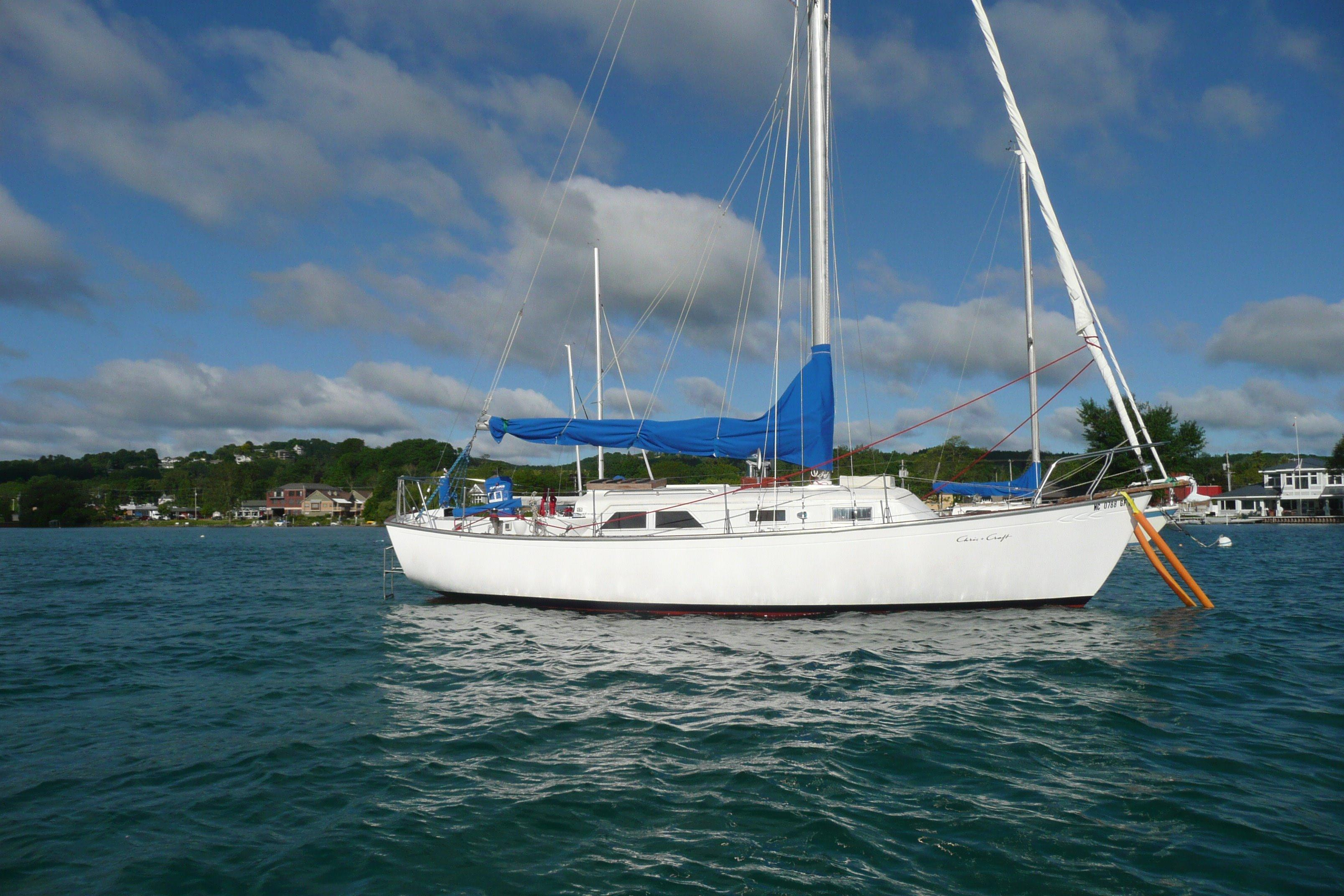 5834342_20160610082144255_1_XLARGE&w=924&h=693&t=1465575789000 1966 chris craft capri 30 sail boat for sale www yachtworld com 1988 Chris Craft Constellation 35' at panicattacktreatment.co