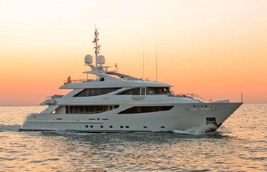 2013 Isa Yachts 41