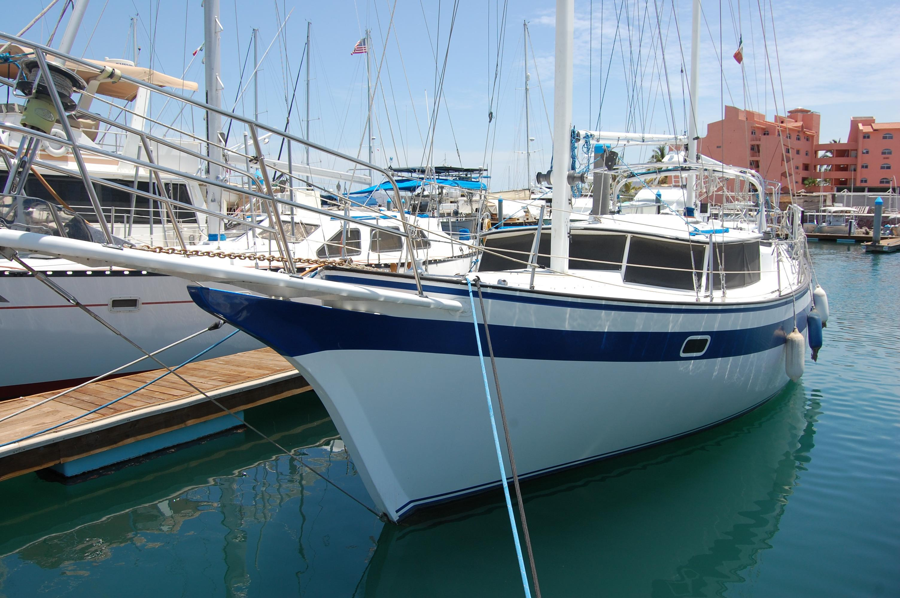 41' Islander Freeport+Photo 7