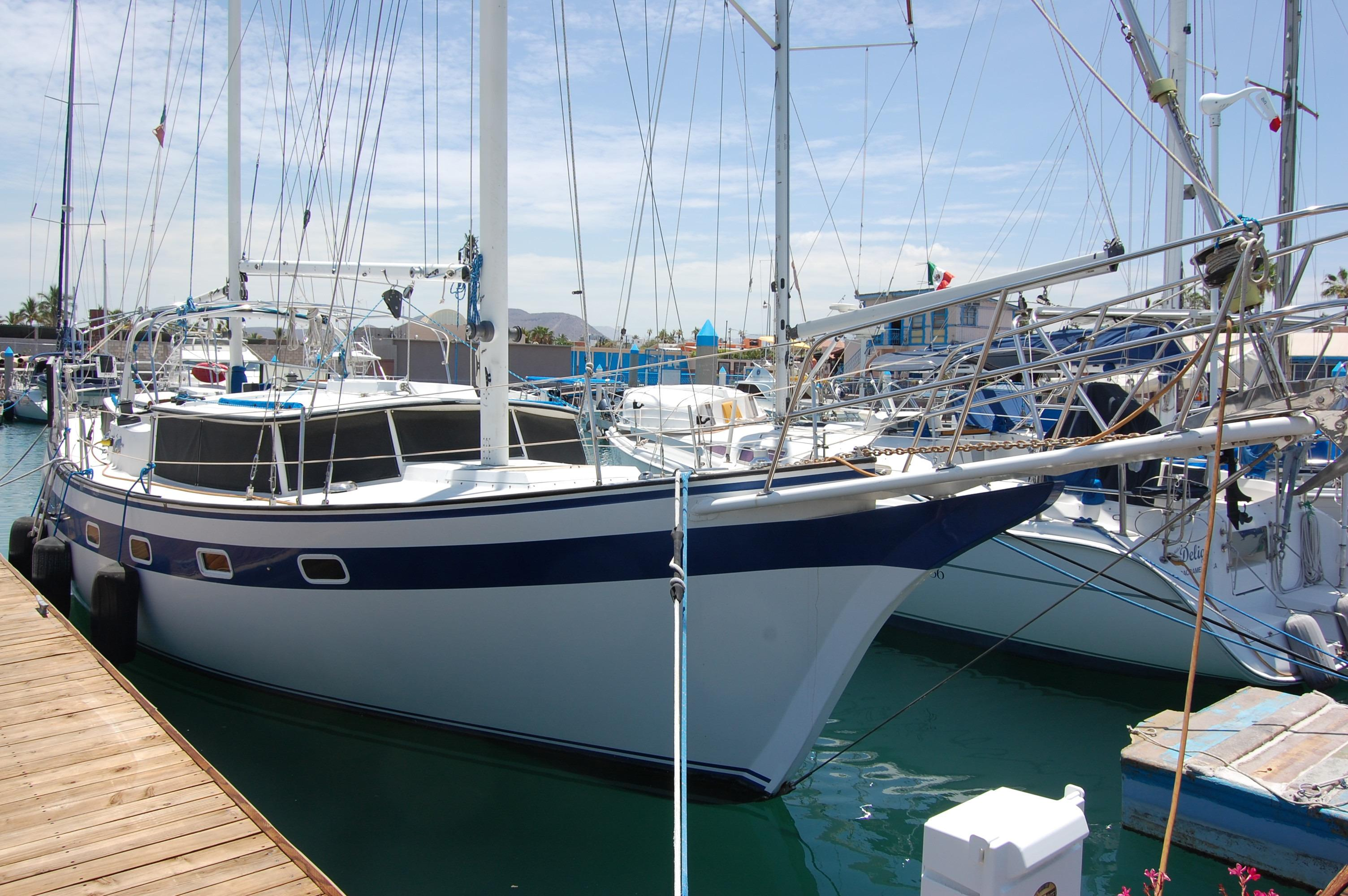 41' Islander Freeport+Photo 8