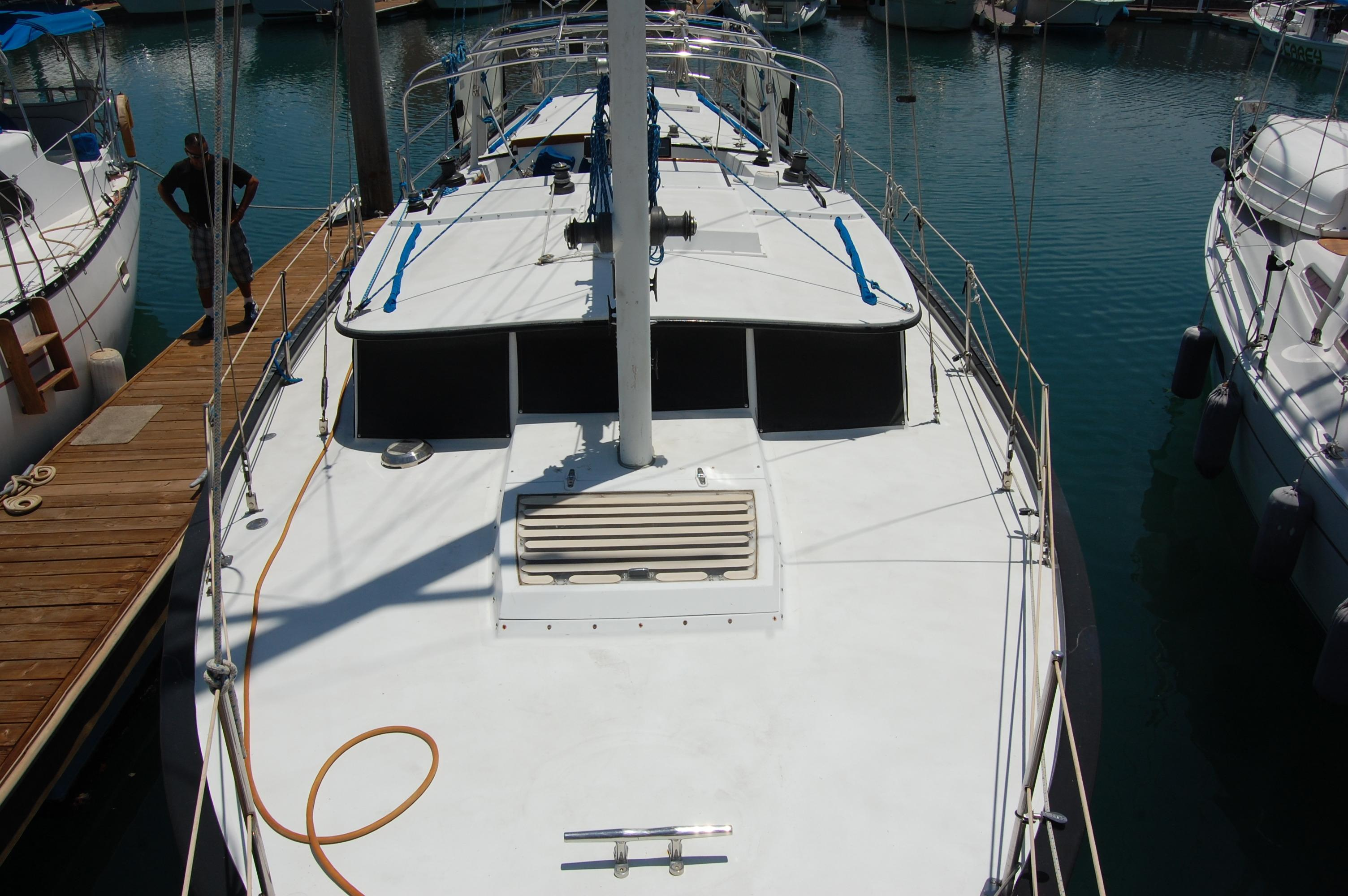 41' Islander Freeport+Photo 11