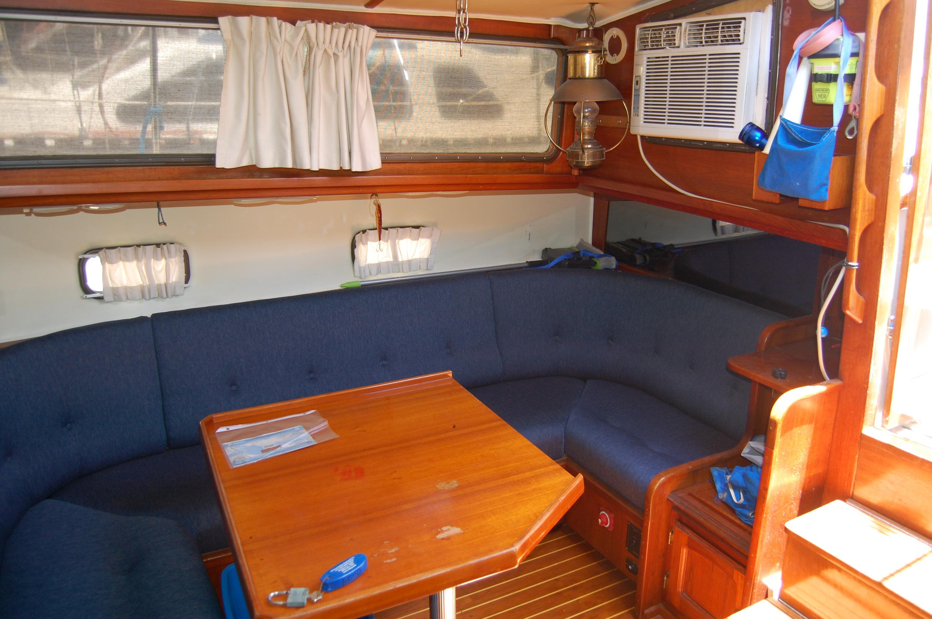 41' Islander Freeport+Photo 18
