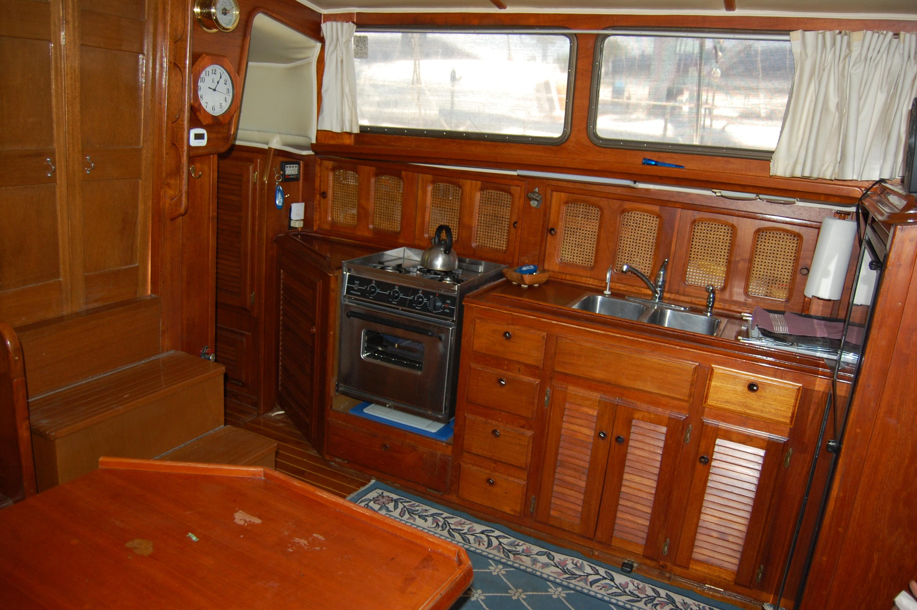 41' Islander Freeport+Photo 21