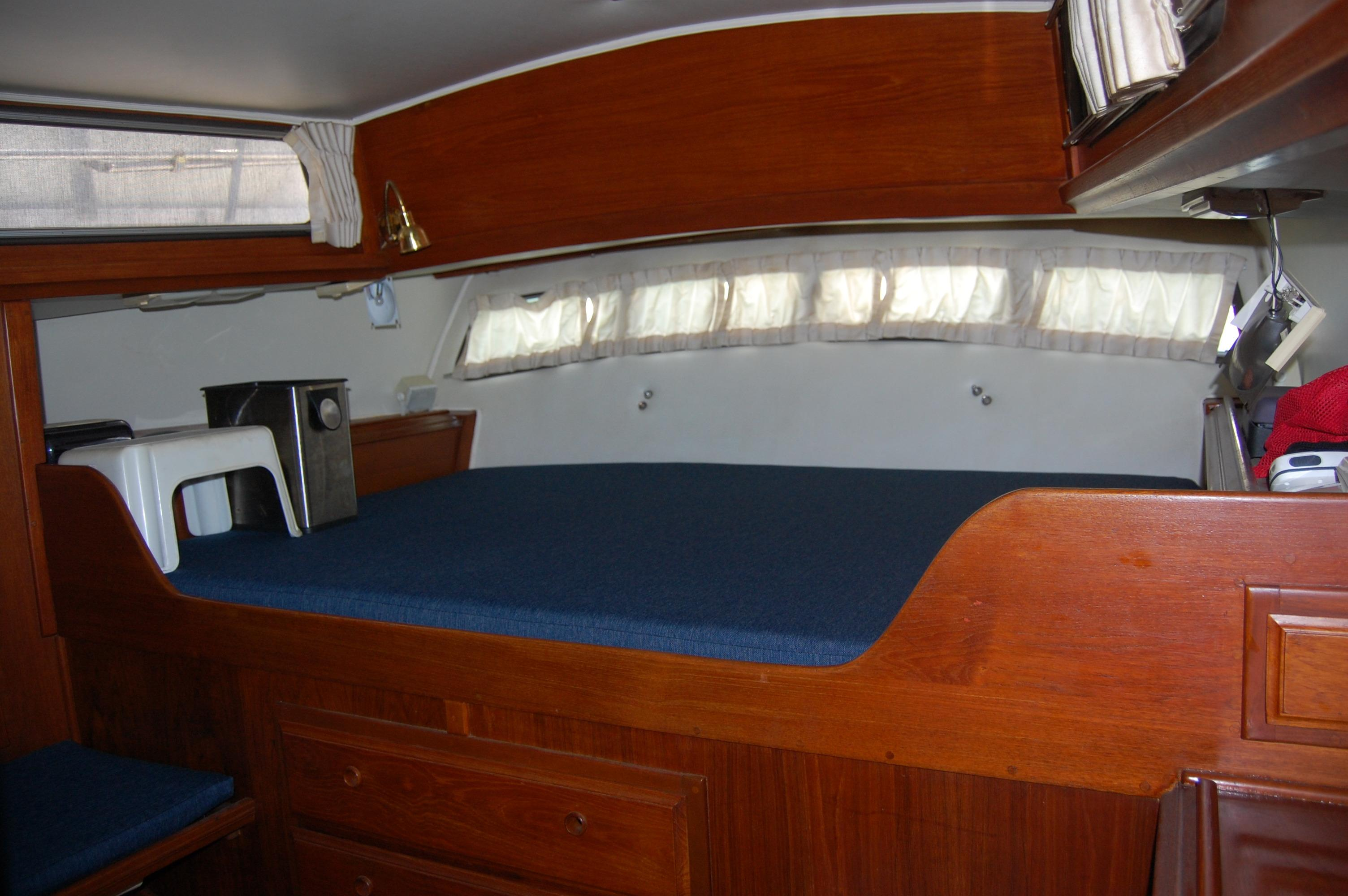 41' Islander Freeport+Photo 26