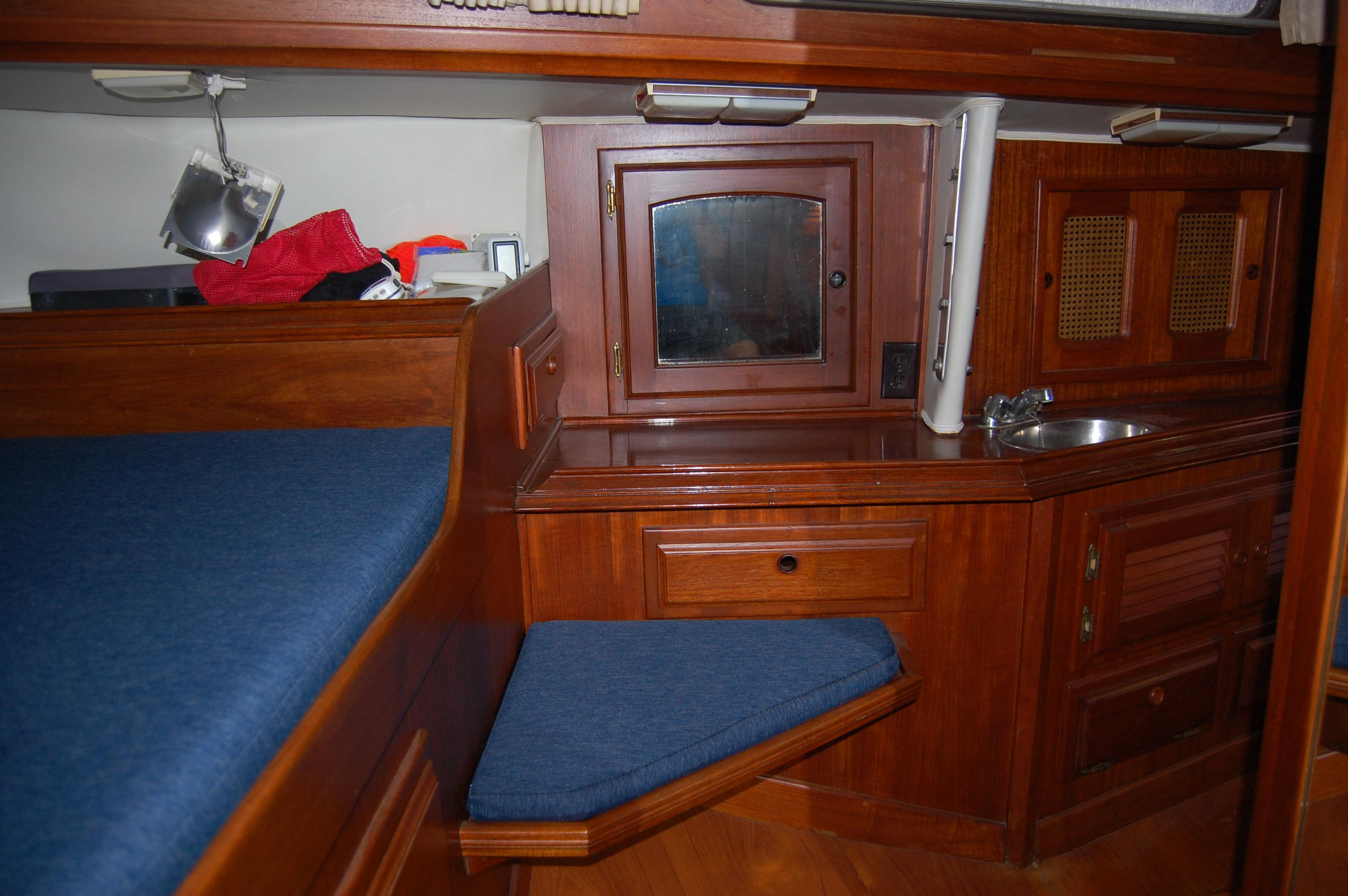 41' Islander Freeport+Photo 28