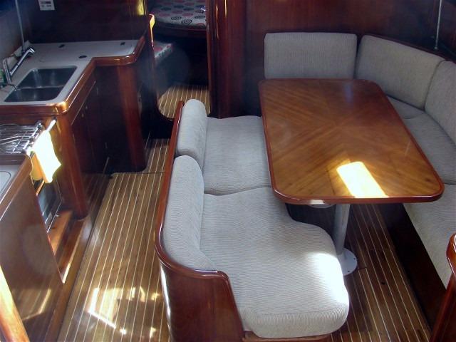 44' Beneteau Oceanis 440 Aft Cockpit Sloop+Galley