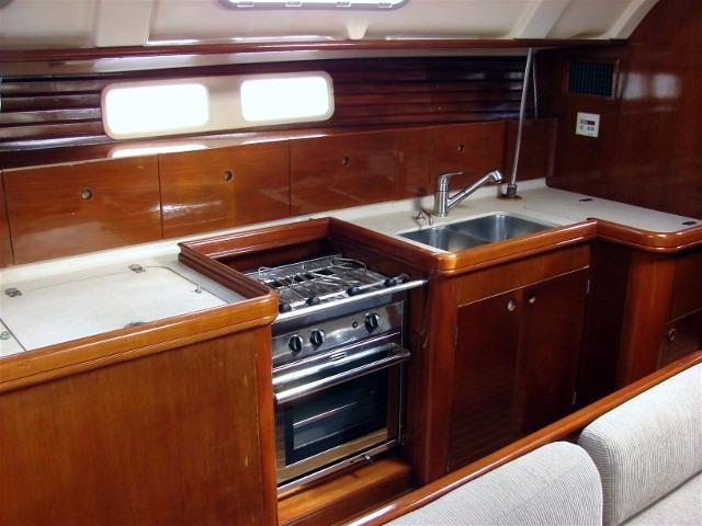 44' Beneteau Oceanis 440 Aft Cockpit Sloop+Starboard aft stateroom
