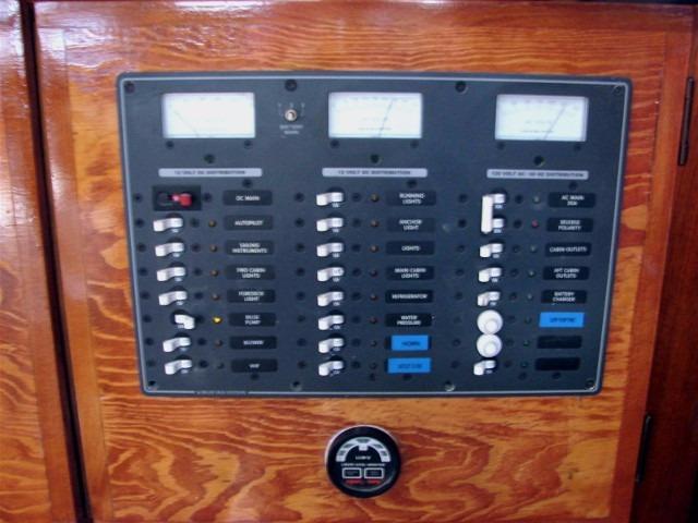 44' Beneteau Oceanis 440 Aft Cockpit Sloop+