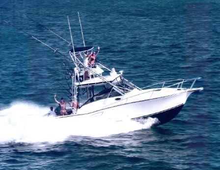 2001 Albemarle 320 Express Fisherman