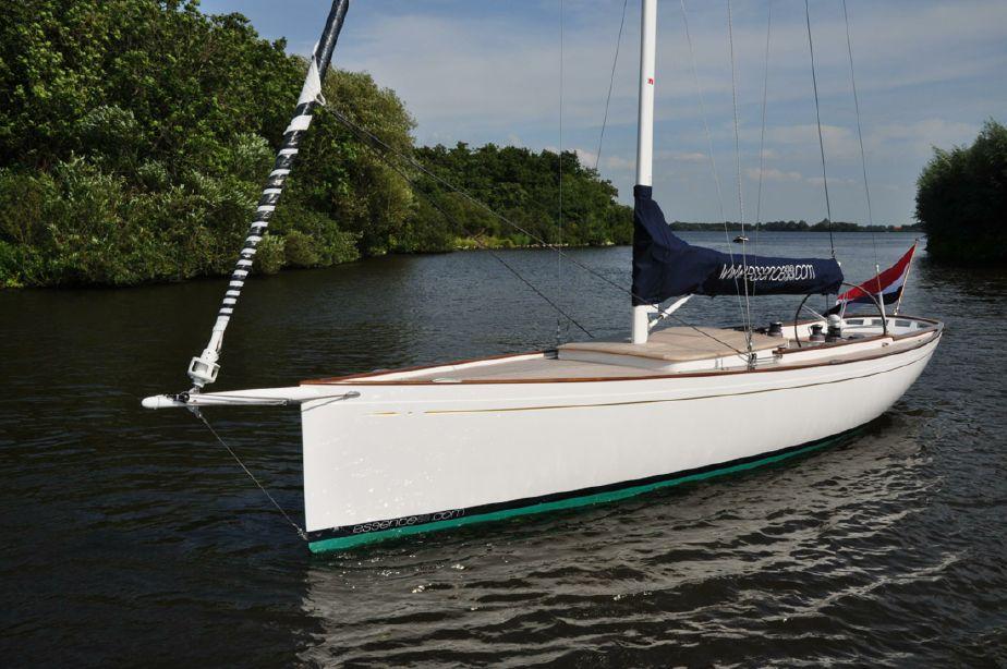 2019 Essence 33 Daysailer Segel Boot zum Verkauf - www