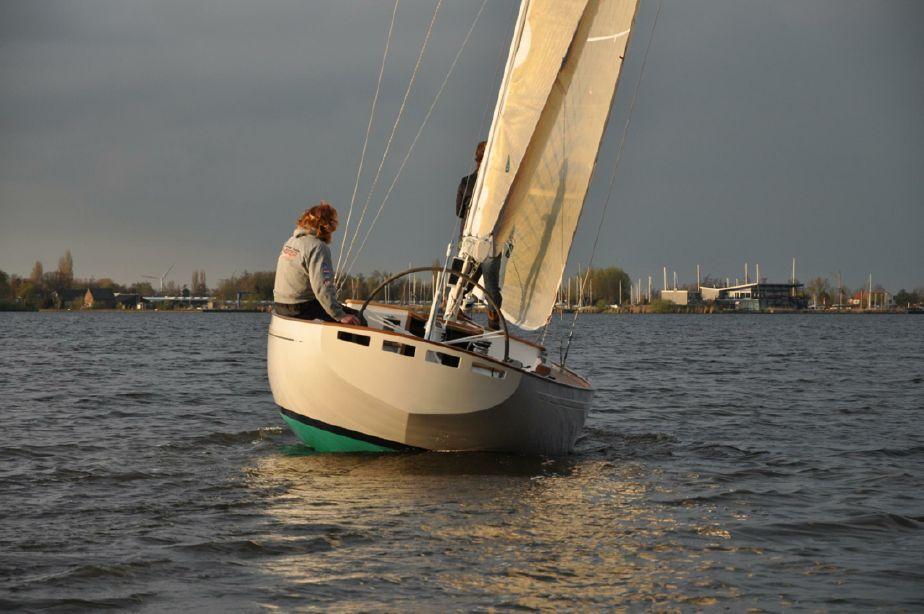 2019 Essence 33 Daysailer Seil Båt til salgs - no yachtworld com