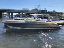 2013 Chris-Craft 32 Launch