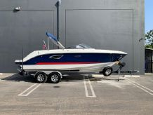 2020 Sea Ray 230 SLX