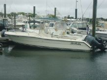 2003 Pursuit 2470 Center Console