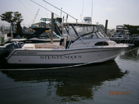 2005 Grady White 30 marlin