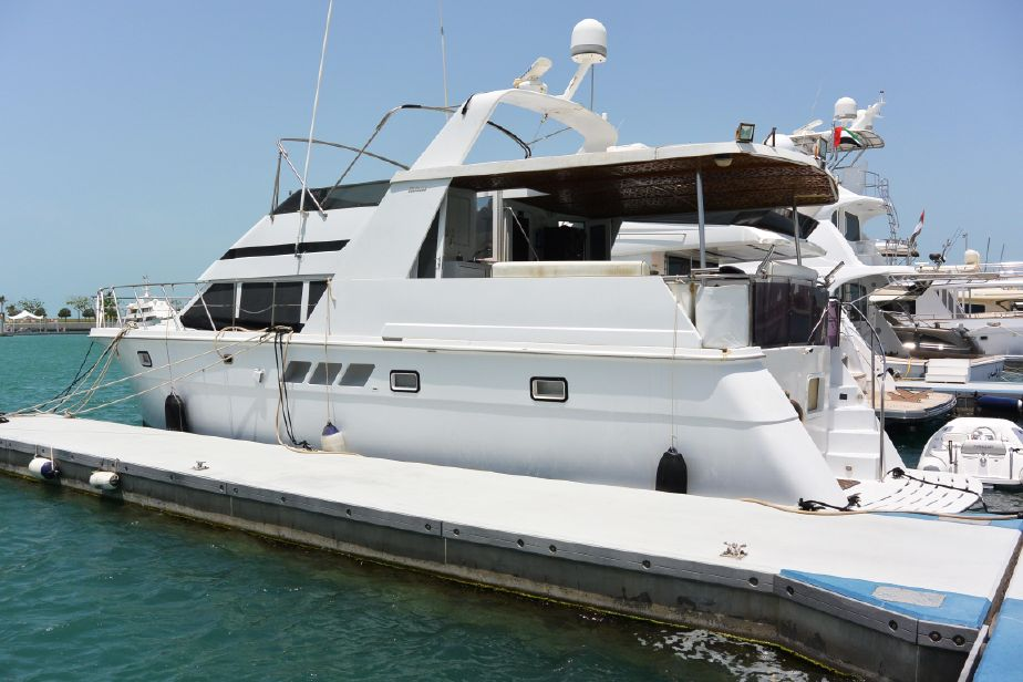 1999 Hatteras 52 Cockpit Motor Yacht Power Boat For Sale - www.yachtworld.com