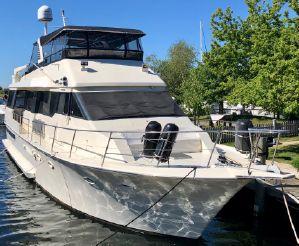 thumbnail photo 0: 1990 Viking 63 Wide Body Motor Yacht
