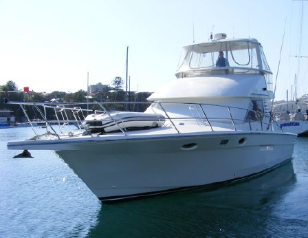 1989 Precision 40 Flybridge Cruiser