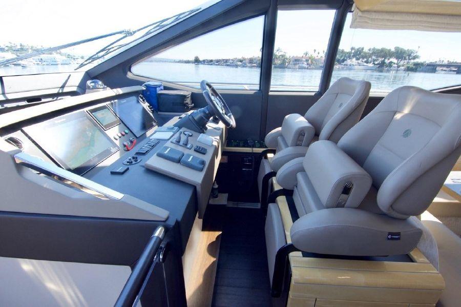 Azimut 66 Flybridge for sale in Newport Beach