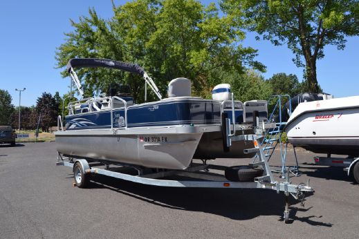 2011 G3 SunCatcher 208 Fish & Cruise
