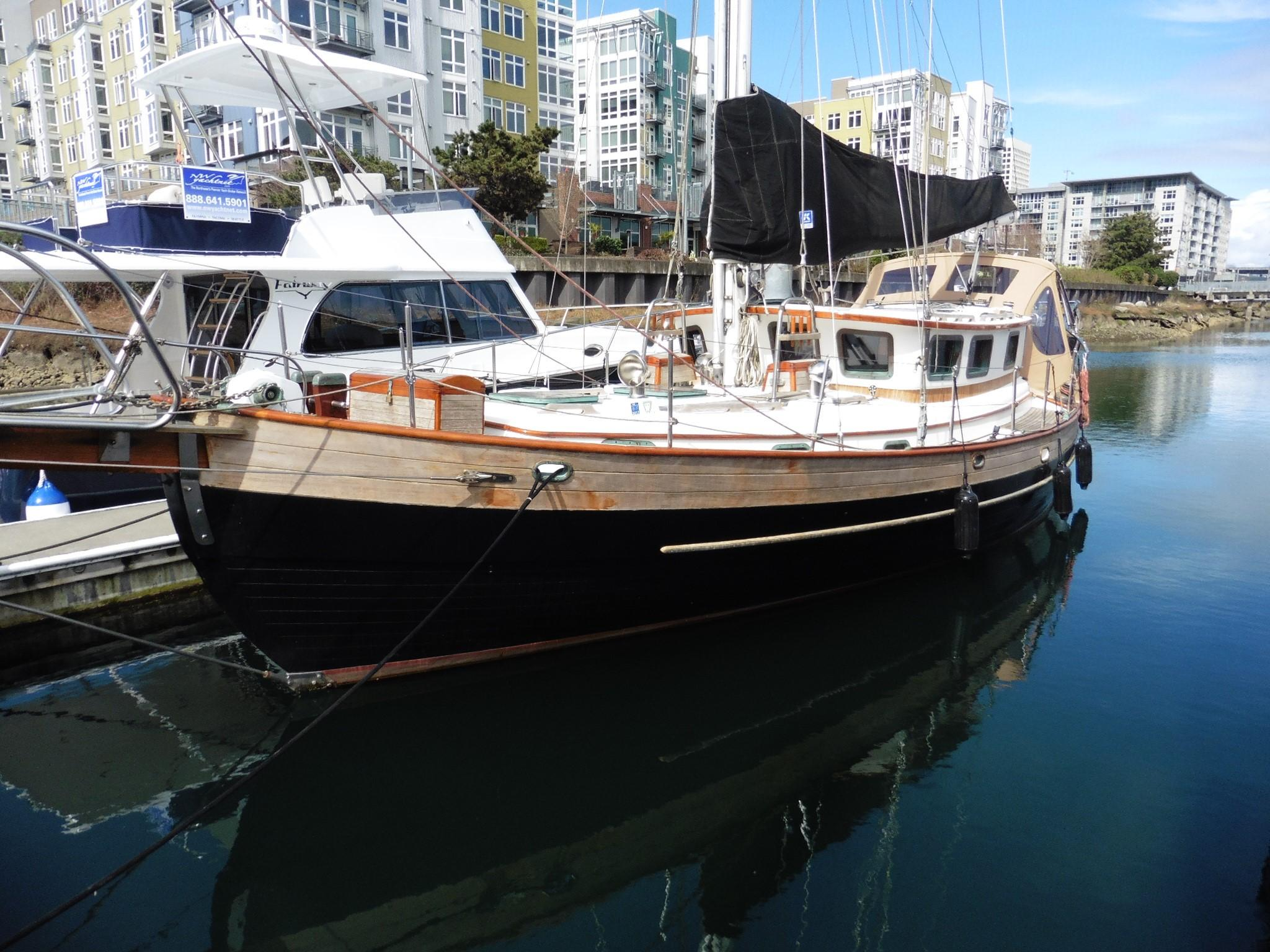 6194429_20170405075256907_1_XLARGE&w=924&h=693&t=1491425870000 1983 hans christian pilot house sail boat for sale www Simple Boat Wiring Diagram at n-0.co