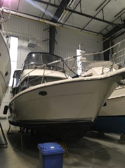 1993 Carver Yachts 390