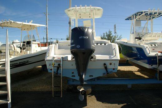 2016 Sea Hunt Ultra 235