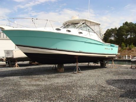 2004 Wellcraft 33 Coastal