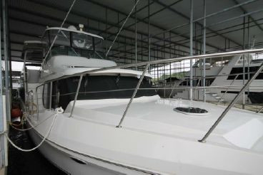 1996 Bluewater Yachts Bluewater 623