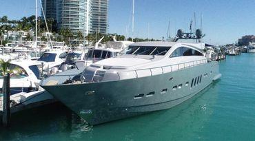 thumbnail photo 0: 2007 Leopard Motor Yacht