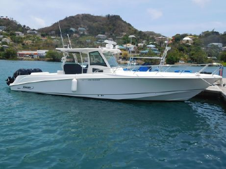 2015 Boston Whaler 370 Outrage
