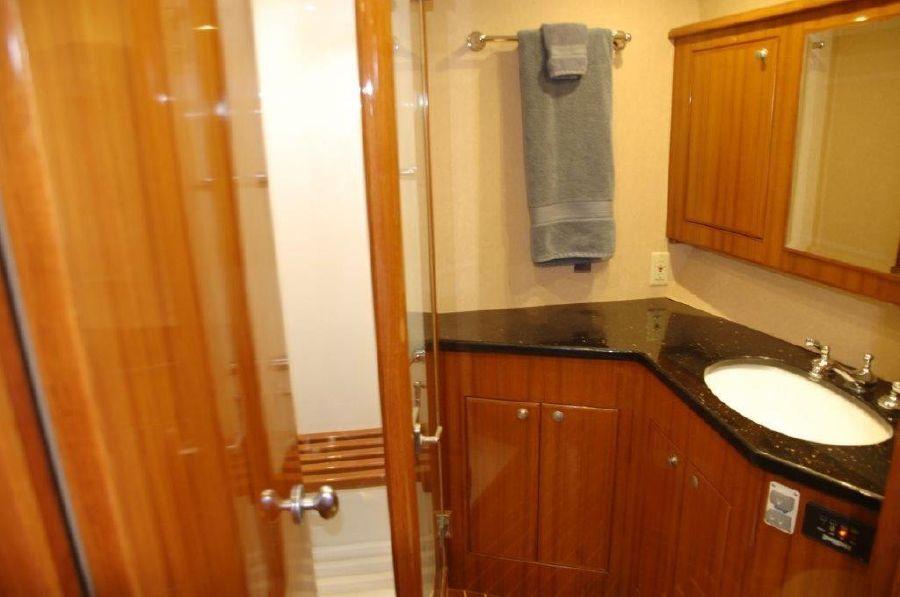 Mikelson 57 Sportfishing Yacht Bathroom Shower