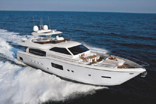 2015 Ferretti Yachts Altura 840