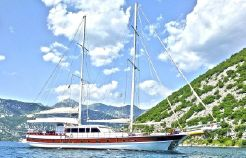 2004 Ketch Laminated 7 cabins