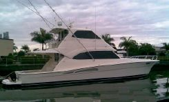 2006 Riviera Enclosed Flybridge Cruiser