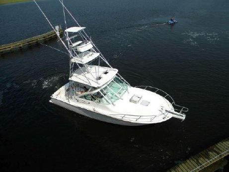2006 Cabo Yachts 32