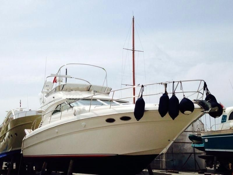 2000 BRUNSWICK GROUP SEARAY 400SB Power New and Used Boats