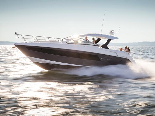 2017 Cruisers Yachts 39 Express Coupe Power Boat For Sale