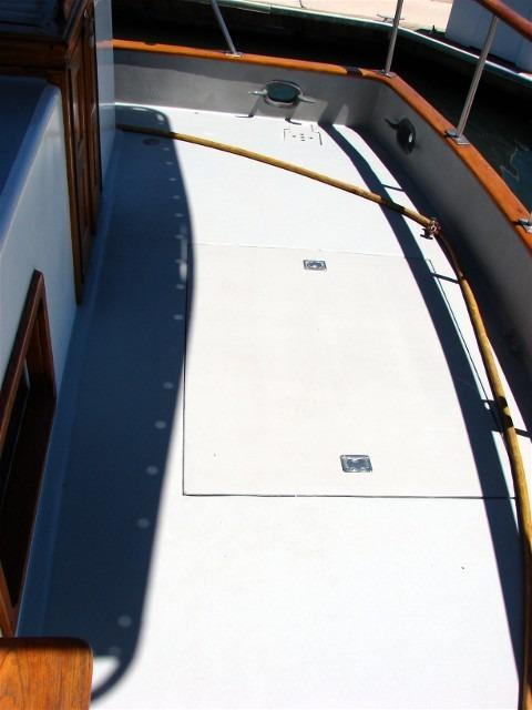 41' DeFever Passagemaker 41+Forward stateroom