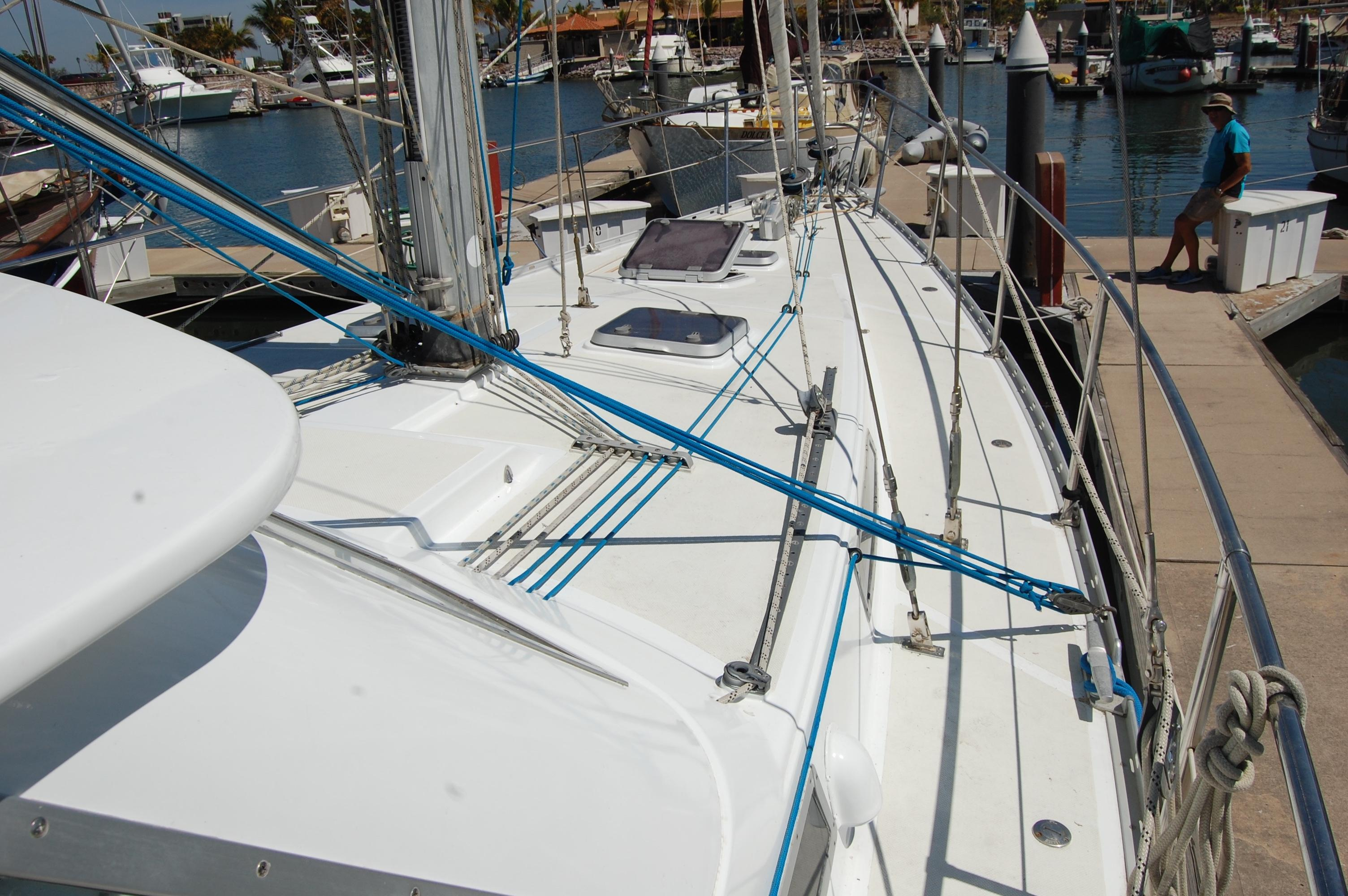 46' Maple Leaf Queen Cutter+Photo 52