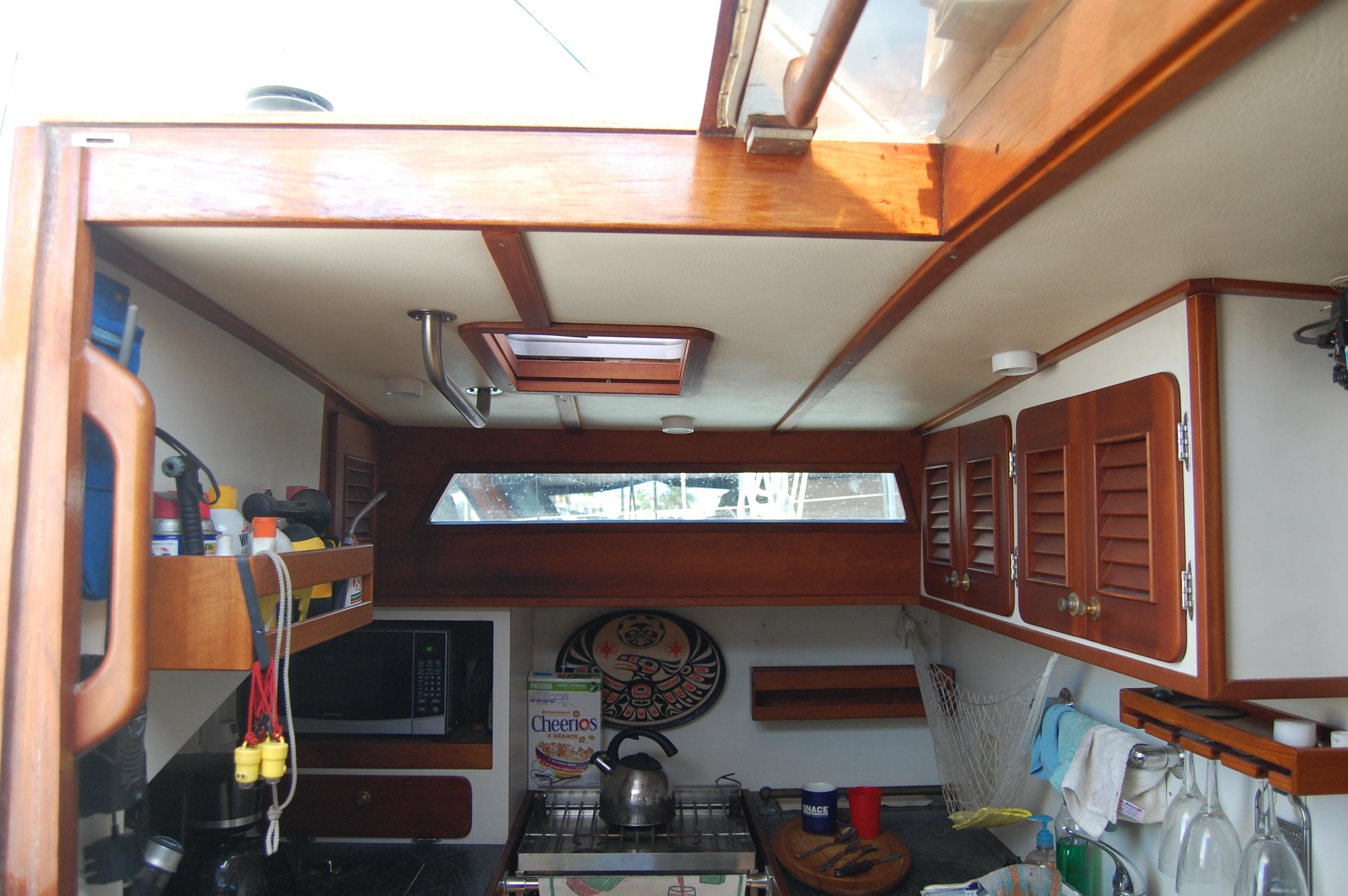 46' Maple Leaf Queen Cutter+Photo 110