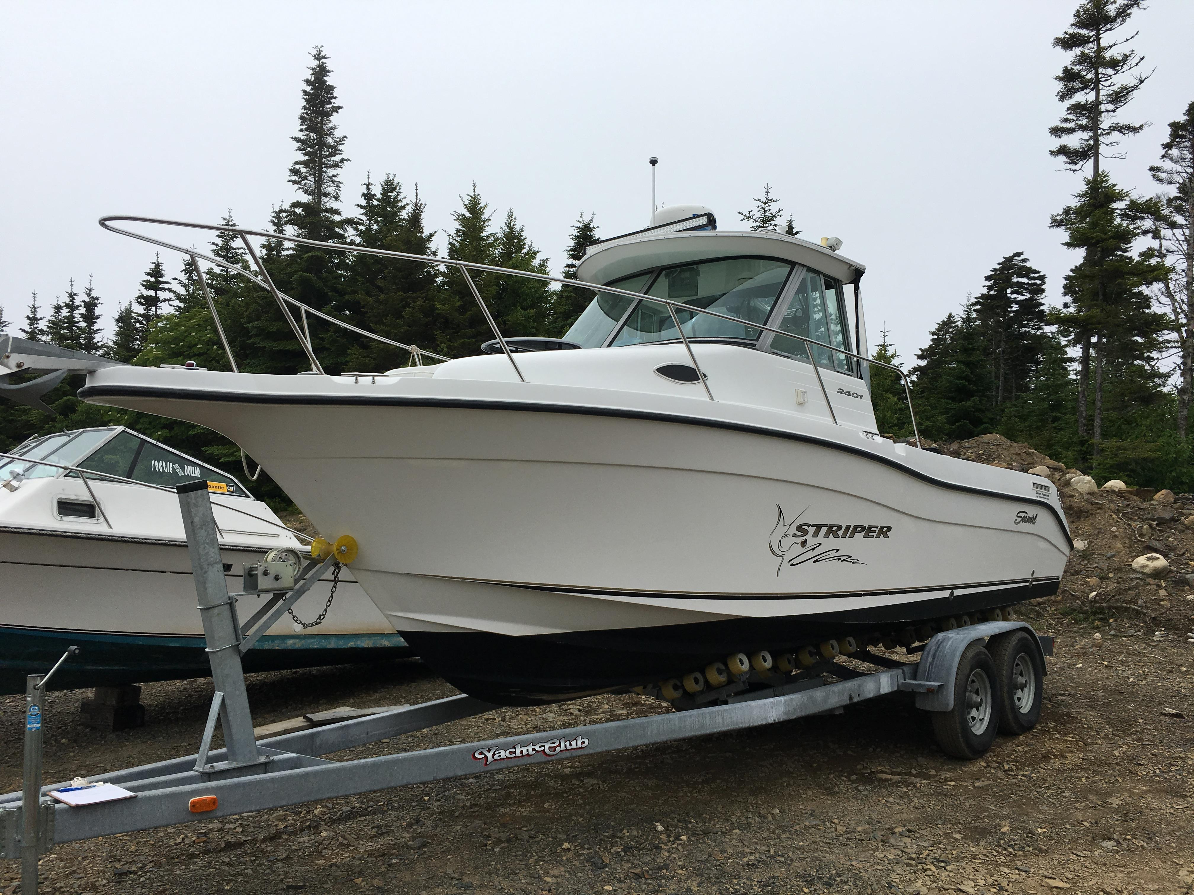2003 Seaswirl Striper 2601 Walkaround I O Power Boat For