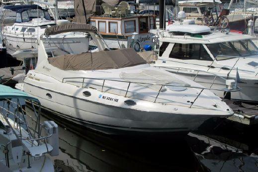 2000 Cruisers Yachts 3075