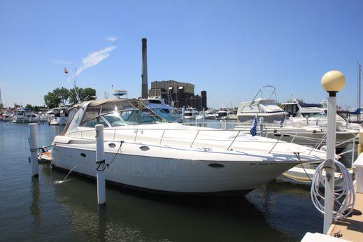 2003 Cruisers Yachts 3870 Express