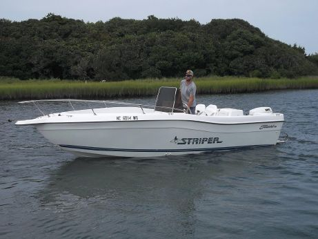 1997 Seaswirl 2100 Center Console
