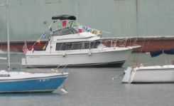1989 Carver Yachts 28 Voyager